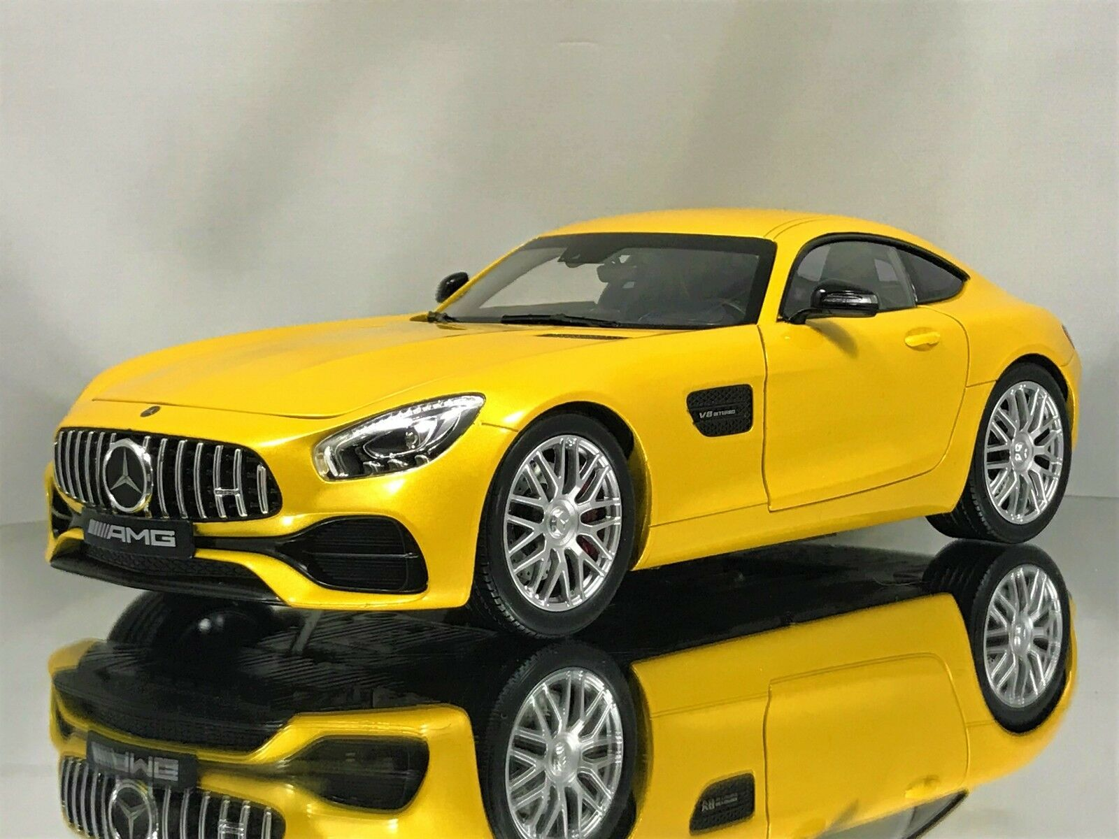 Norev Mercedes Benz AMG GT-S (C190) Coupe GTS Solarbeam giallo Coche Modelo 1 18