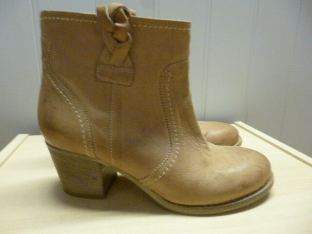 Bertie tan leather pull on western style boots Size 36