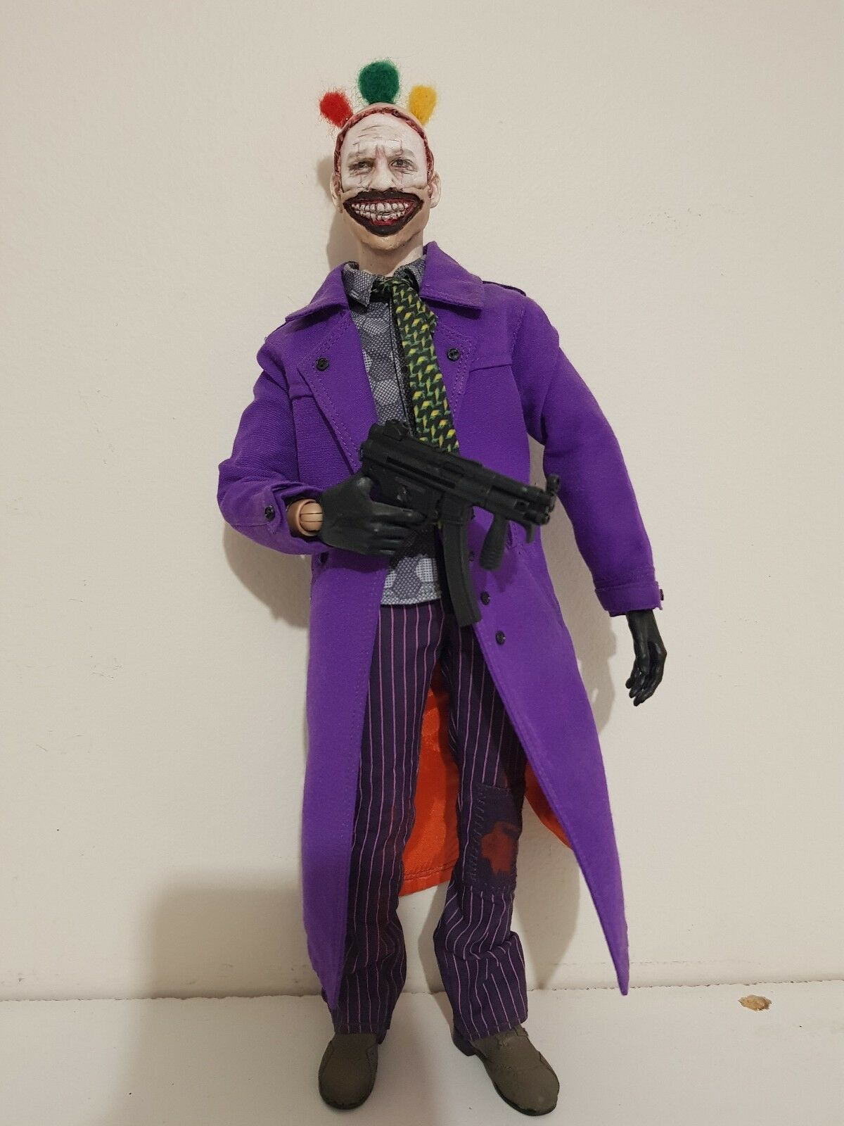 CUSTOM 1/6 SCALE TWISTY THE CLOWN IN JOKER OUTFIT