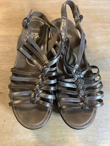 Dansko-Lolita-Silver-Leather-Comfort-Sandals-Strappy-Wedge-Size-39-US-8-5-9