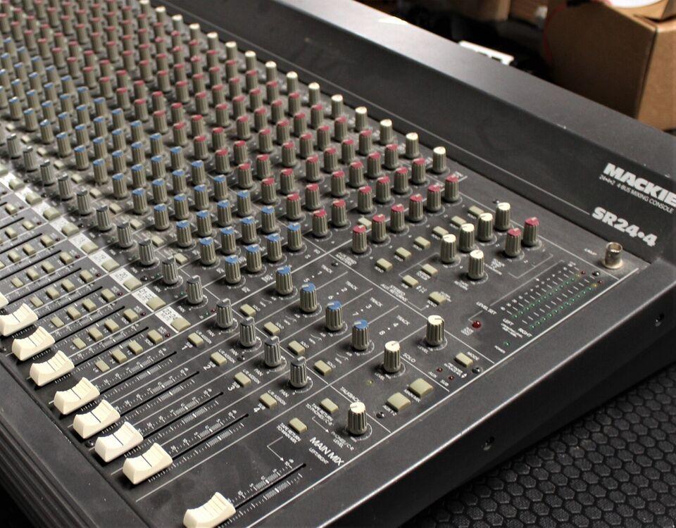 Mixer PA/studio, Mackie SR24-4 VLZ