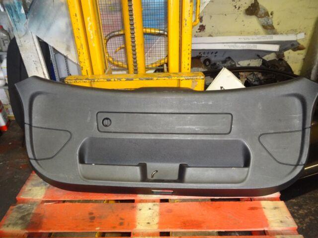 Audi A1 8 X 3 Puertas Interior de Maletero Compartimento Plástico Panel Ajuste
