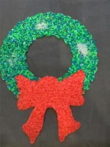 CHRISTMAS-WREATH-DECORATION-VINTAGE-DOOR-GREETER-MELTED-PLASTIC-POPCORN