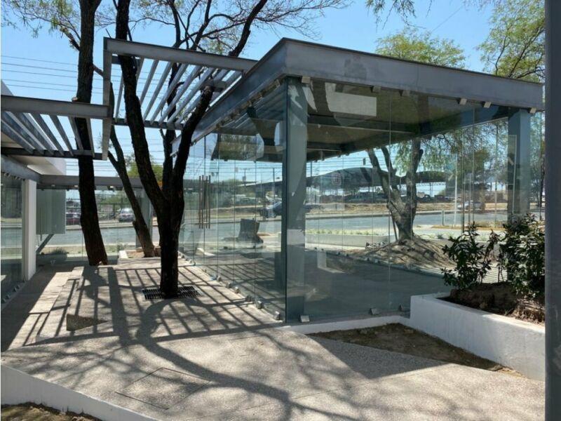 Renta Local Comercial Plaza Alberia Poniente Aguascalientes