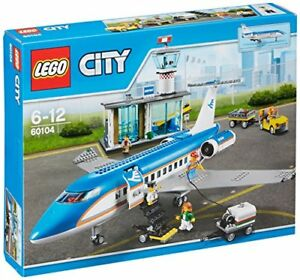 LEGO-LEGO-City-Airport-Terminal-And-The-Airliner-60104