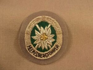 Bundeswehr Leistungsabzeichen in Silber auf grau handgestickt