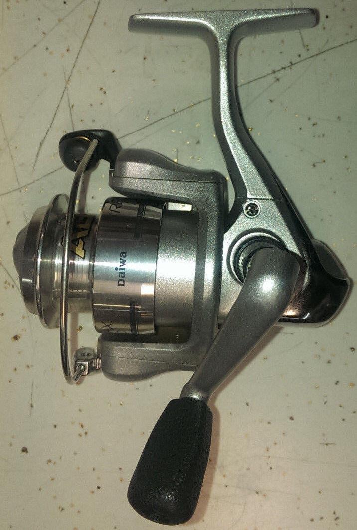 Diawa Regal-X 2000C Spinning Reel 3 Ball Bearing 135 yds 6 lb Fishing Reel
