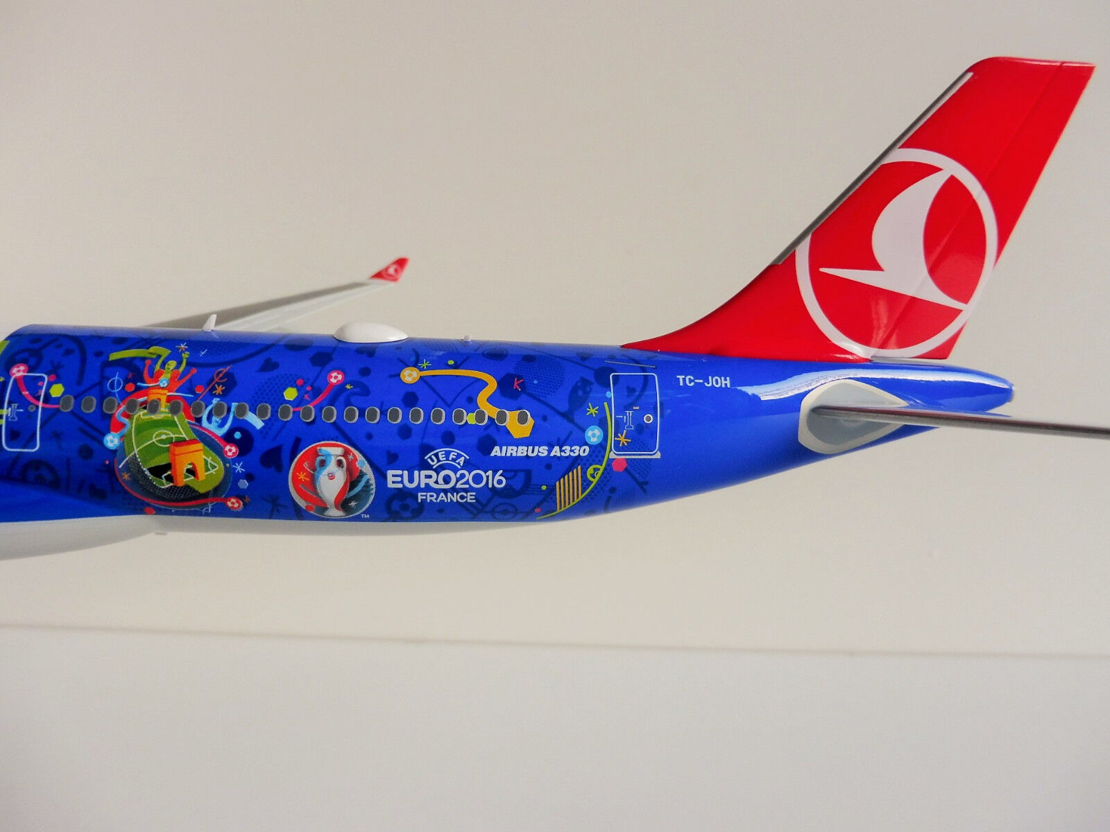 Airbus a330-200 Turkish Airlines 1 200 Herpa Herpa Herpa 558105 a330 Uefa Euro 2016 France 09d949
