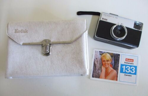 Kodak Instamatic 133 Camera with Carry Case and Instruction Manual 1970s