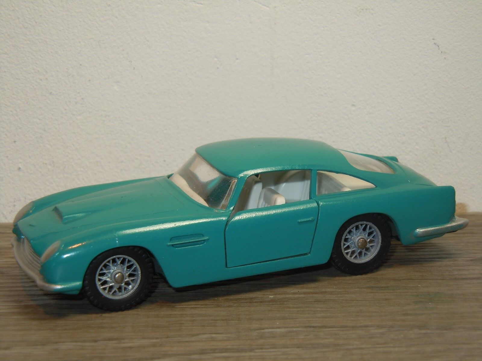 Aston Martin DB5 Vantage - Solido 130 France 1 43 36192