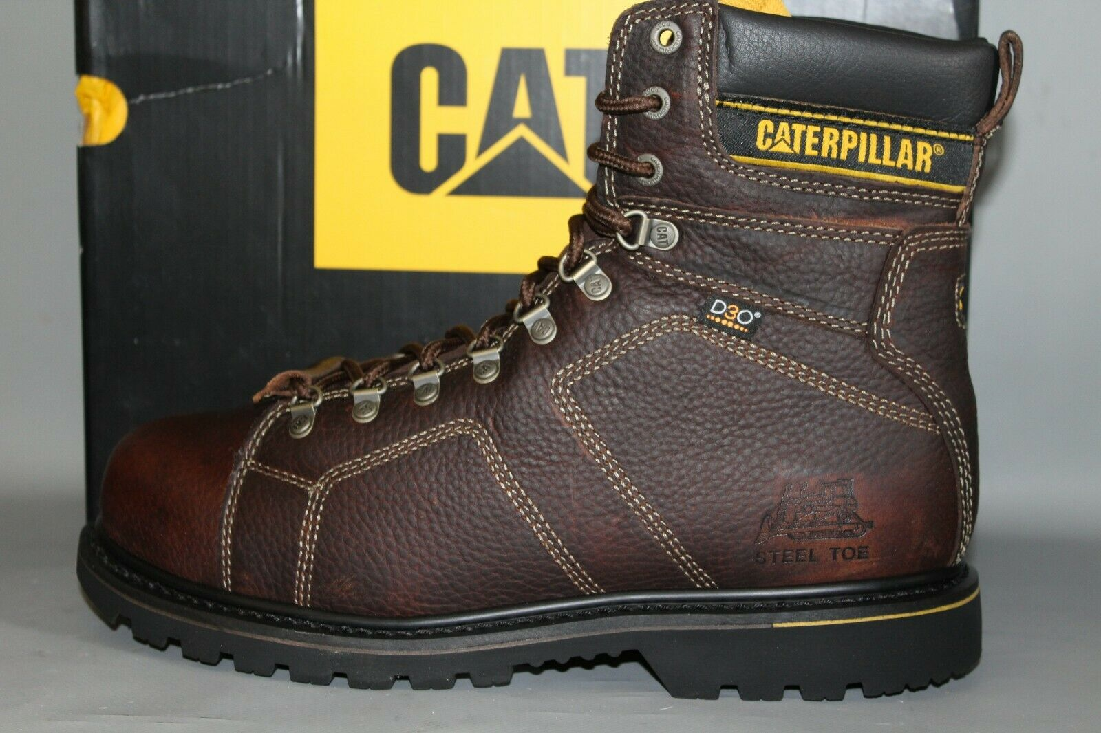 NEW Men's (CAT) P89967 Silgreenon Size 12 Medium, 8  Soft Toe Leather Work Boot
