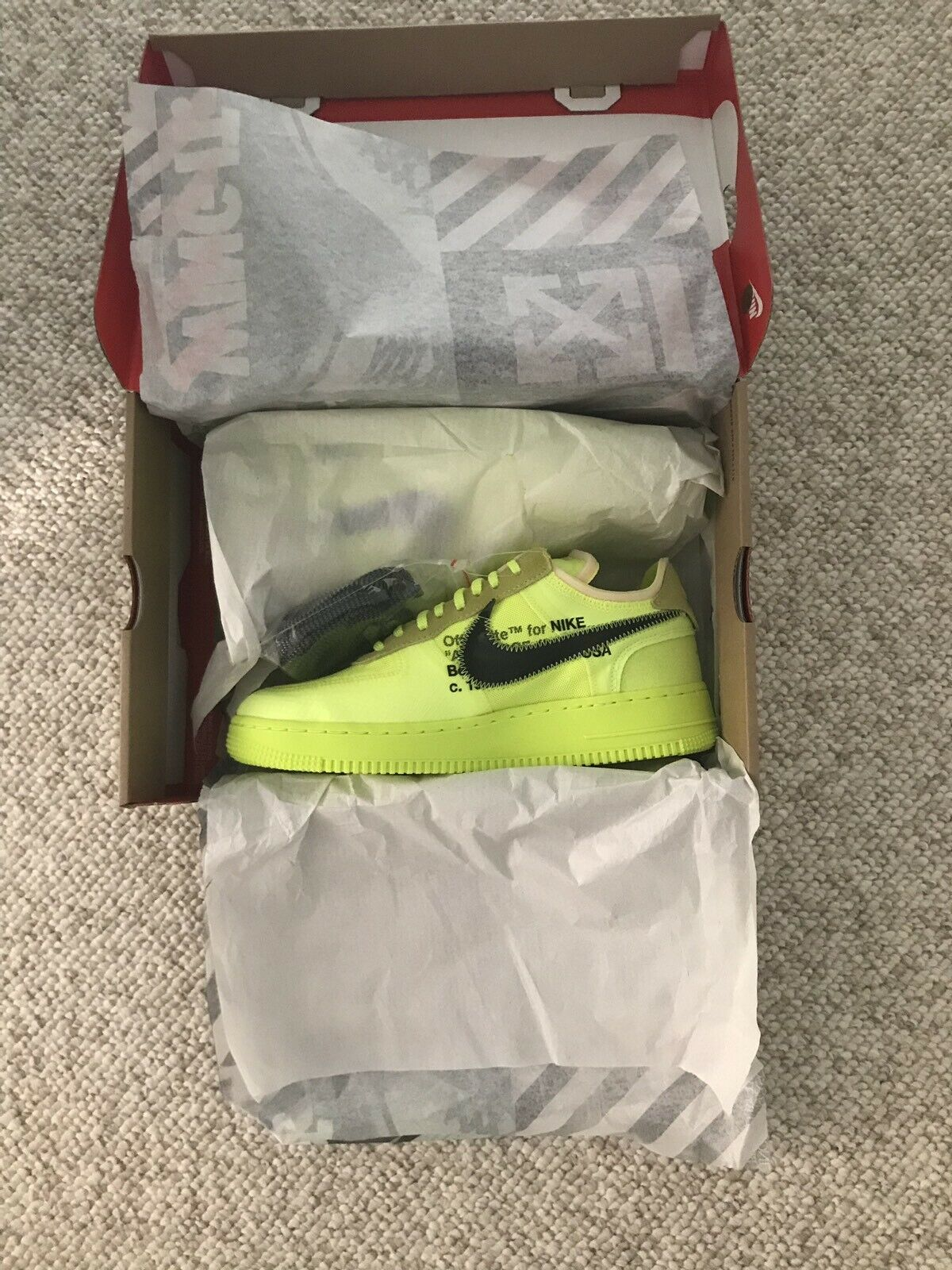 Nike Air Force 1 Low Off-White Volt Size 8.5