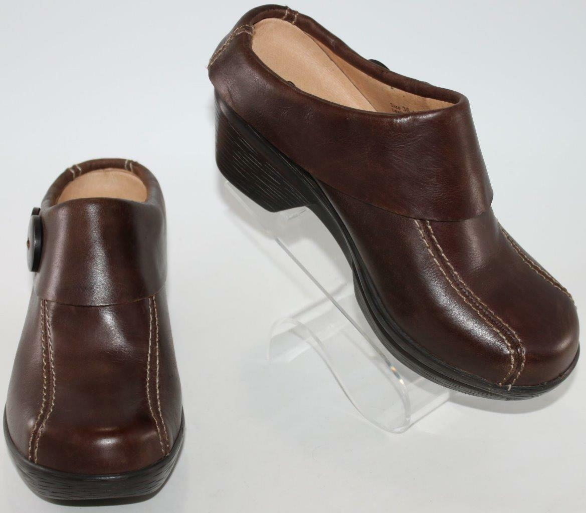Sanita Wouomo Marronee Leather Open Back Button Detail Mule Clogs Dimensione 6  36 scarpe