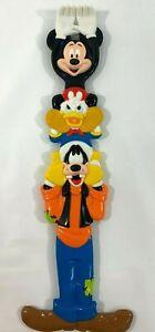 Vintage-Walt-Disney-World-Mickey-Mouse-Donald-Goofy-15-034-Sturdy-Back-Scratcher