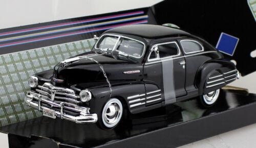 Chevy Chevrolet Aerosedan Fleetline schwarz 1948 1:24 Motor Max Modellauto