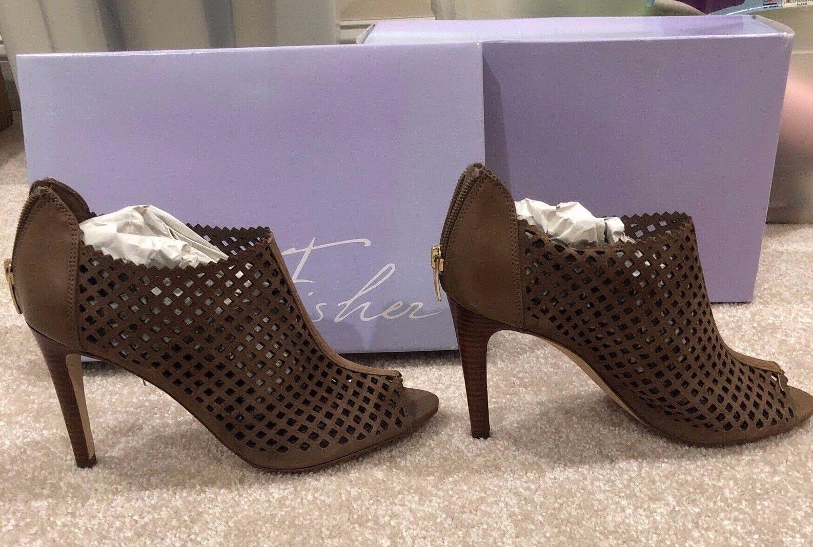 bellissimo Marc Fisher Peddle donna donna donna Perforated Peep Toe stivali, Dimensione 8.5 M, New with box   godendo i tuoi acquisti