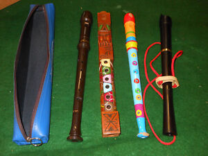 4-Vintage-Musical-RECORDERS-Instruments-and-case