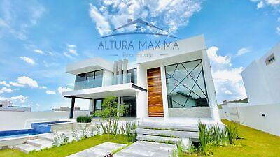 Lujosa Residencia Nueva en Venta Ayamonte Zapopan