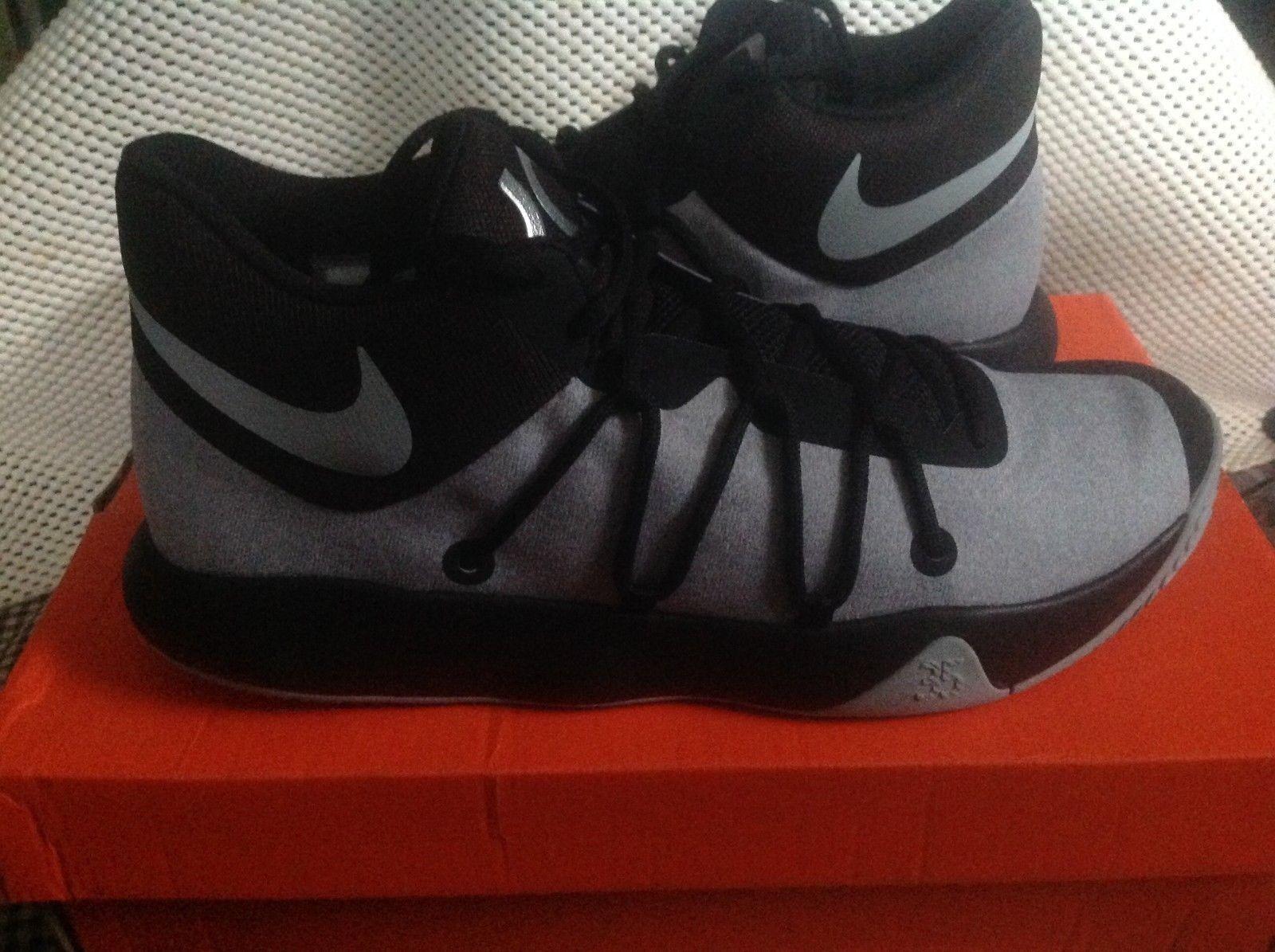 KD  Nike TREY 5 V SIZE 10.5