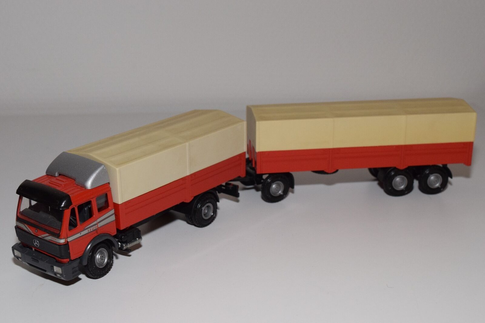 NZG MERCEDES BENZ BENZ BENZ TRUCK WITH TRAILER WERBE PROMO Rojo NEAR MINT CONDITION 67266b