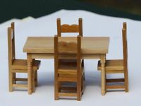 Dollhouse Furniture - Oak Petite Kitchen Table And Chairs