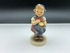 Hummel-Figurine-629-Young-Farmer-3-1-2in-1-Choice-Top-Condition