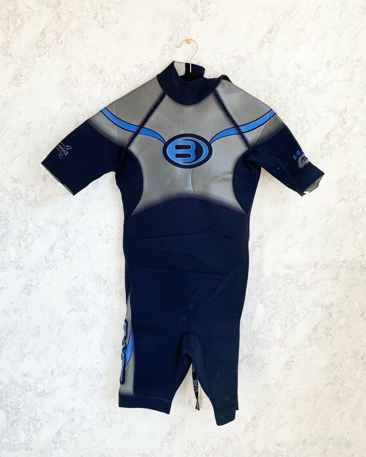 Bare  Mens Wetsuit 2 2mm Plazma Powerstretch Surfing Snorkeling Scuba Blk Size M  sale with high discount