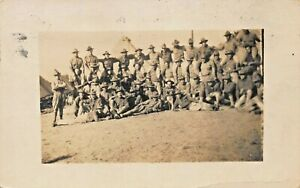 LARGE-GROUP-OF-WW1-UNITED-STATES-SOLDIERS-MILITARY-REAL-PHOTO-POSTCARD