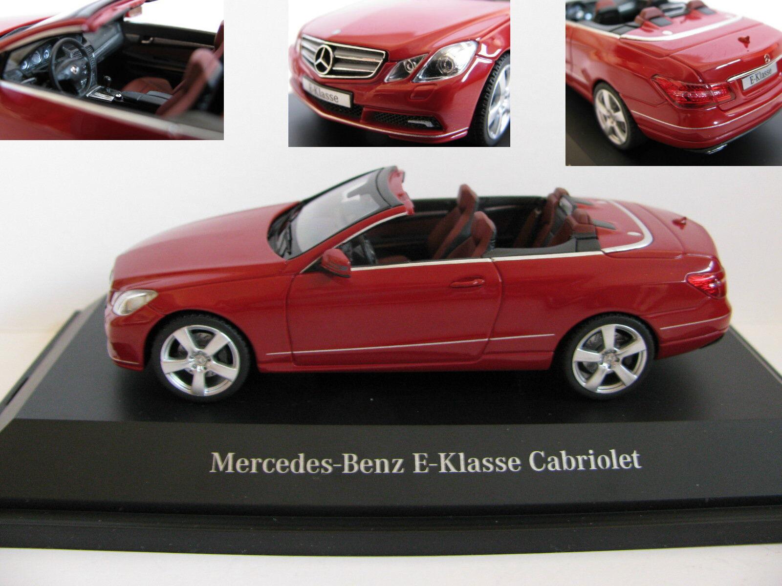 1 43 Schuco Mercedes Benz Clase E Cabrio rojo Diecast