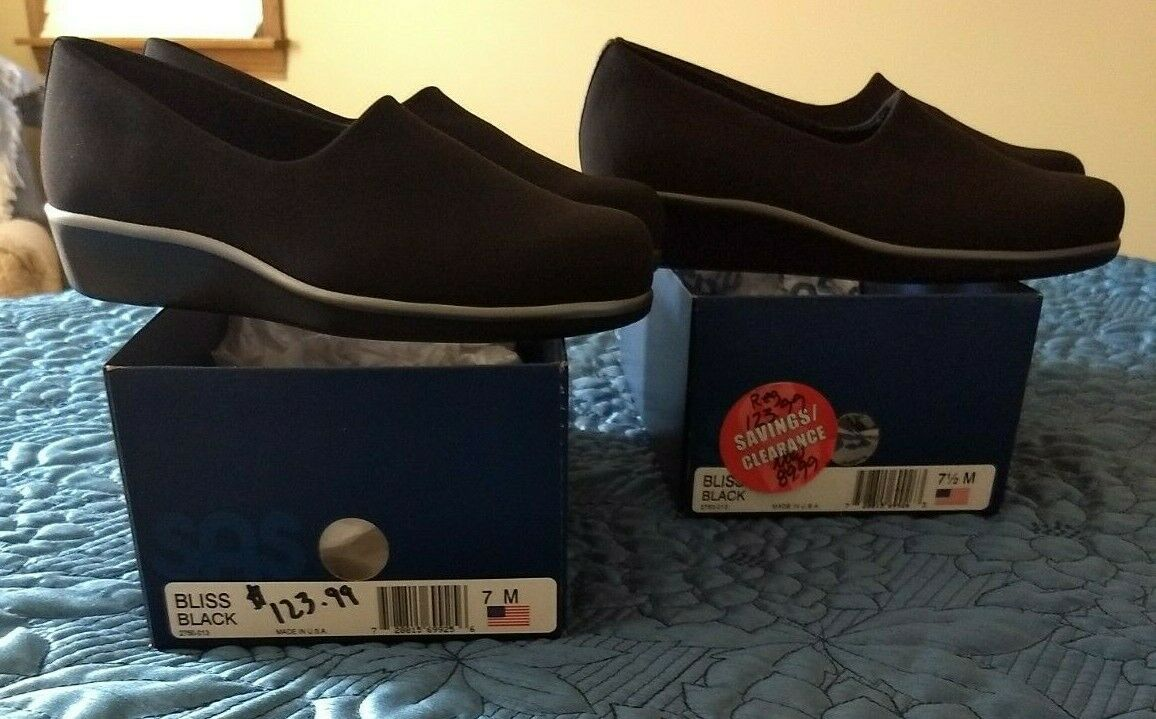 Two different different different sized women's shoes, Right 71 2, Left 7, New, Black SAS Bliss 495480