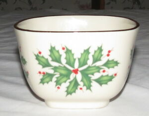 Lenox-Holly-4-1-2-Square-Bowl-Excellent