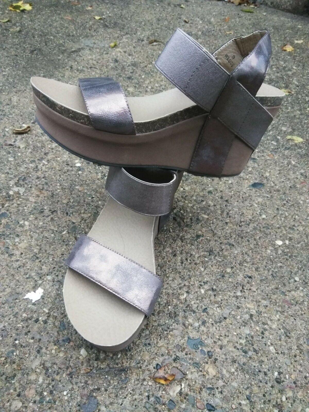Womens Corkys  Wedge  Sandal Brush pewter Wedge Sandal Sizes 9