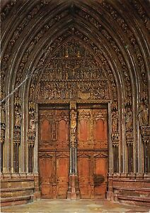 BG13303-freiburg-i-br-munster-cathedral-of-our-lady-main-entrance-germany