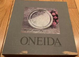 Oneida-Maybrook-Round-Tray-New-In-Original-Box-1987