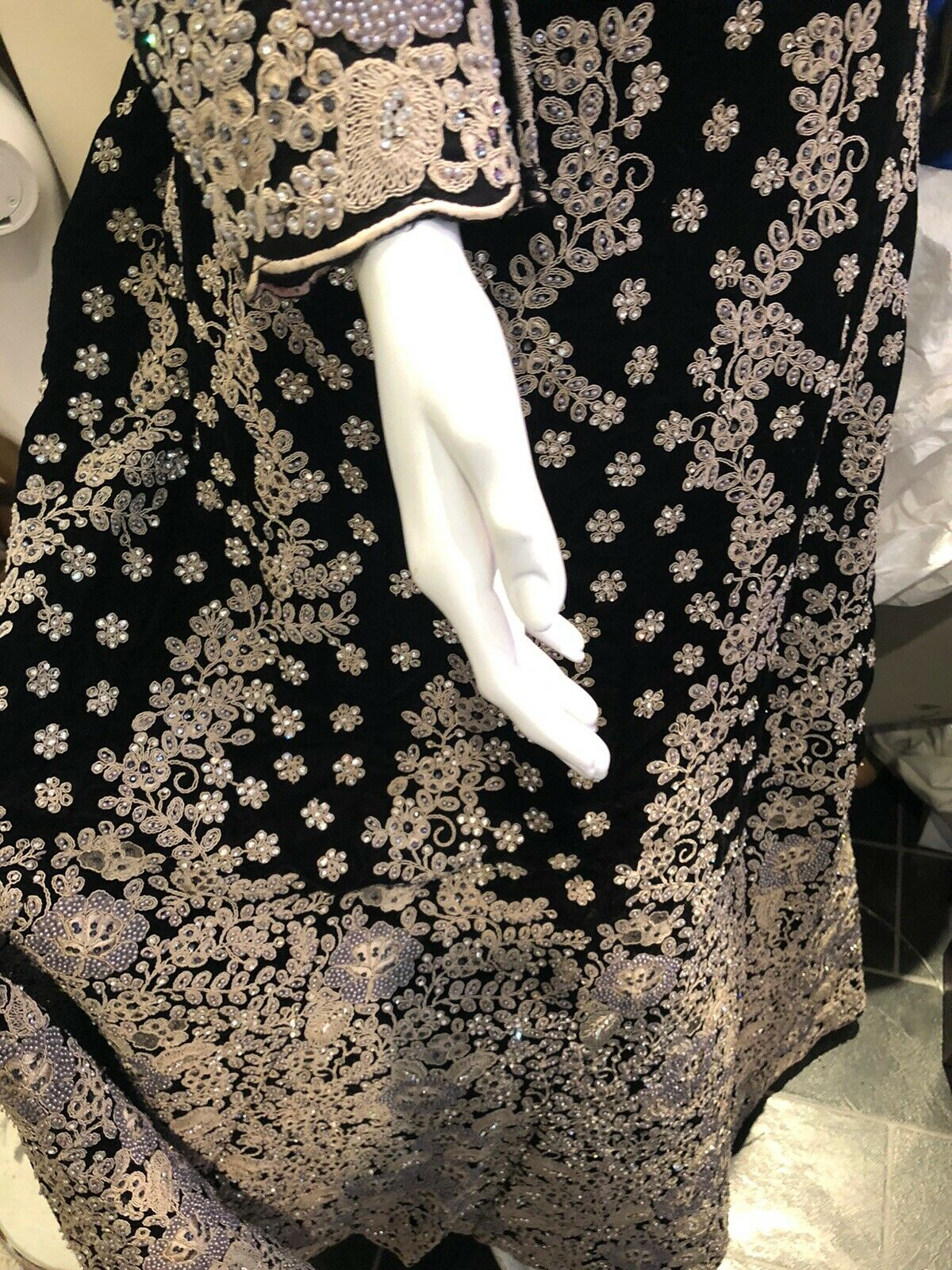 😍Stunner Heavy Embroidery Work Black/Grey Bridal Lehnga/long Outfit M