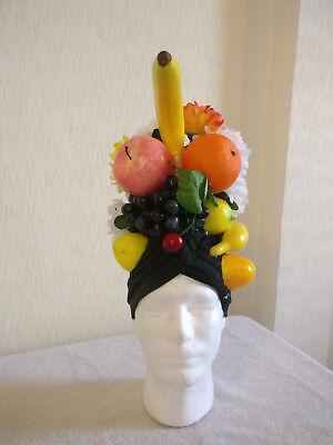 Frugale Prince Herbert - Carmen Miranda Hat - Spamalot, Costume Piece Stile (In) Alla Moda;