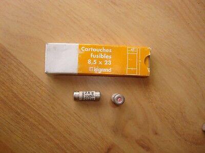 8,5 x 23 Type gG Lot 2 Cartouches fusibles à Voyant LEGRAND 2A ampères