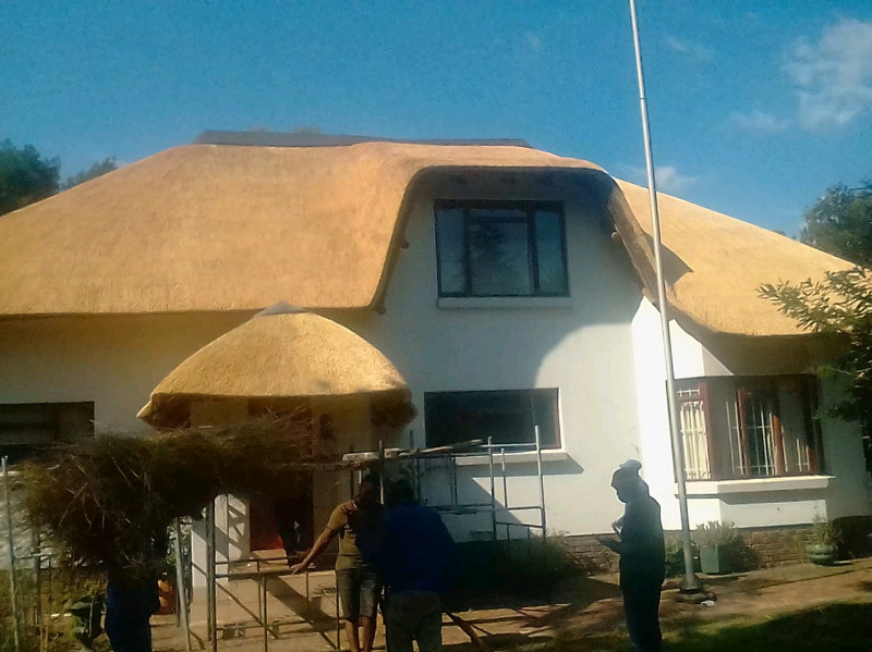 Thatching and waterproofing 0737322227