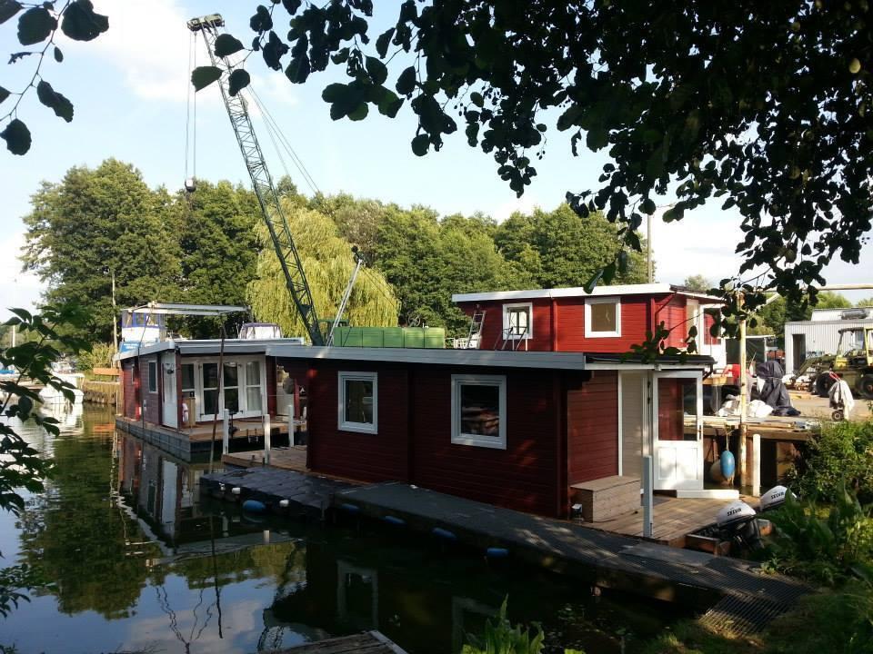 HausStiefelbausatz, Selbstbau-Apartment in Nahmitz Einzelteile im Hafen Nahmitz in 68e7ec