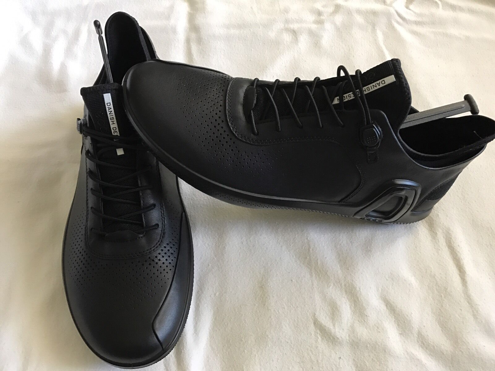 ECCO  Sneakers Danish Leather BLACK Brand New iN box 42-43 size US 9-9.5