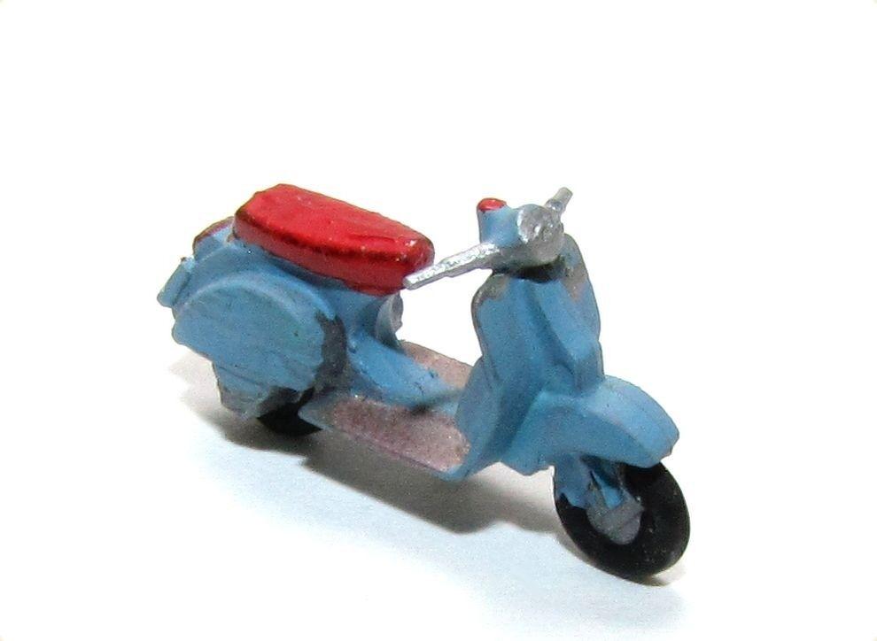 Piaggio Vespa Scooter Taubenbleu gesupert peintes à la main Plaque SCALE 1 87