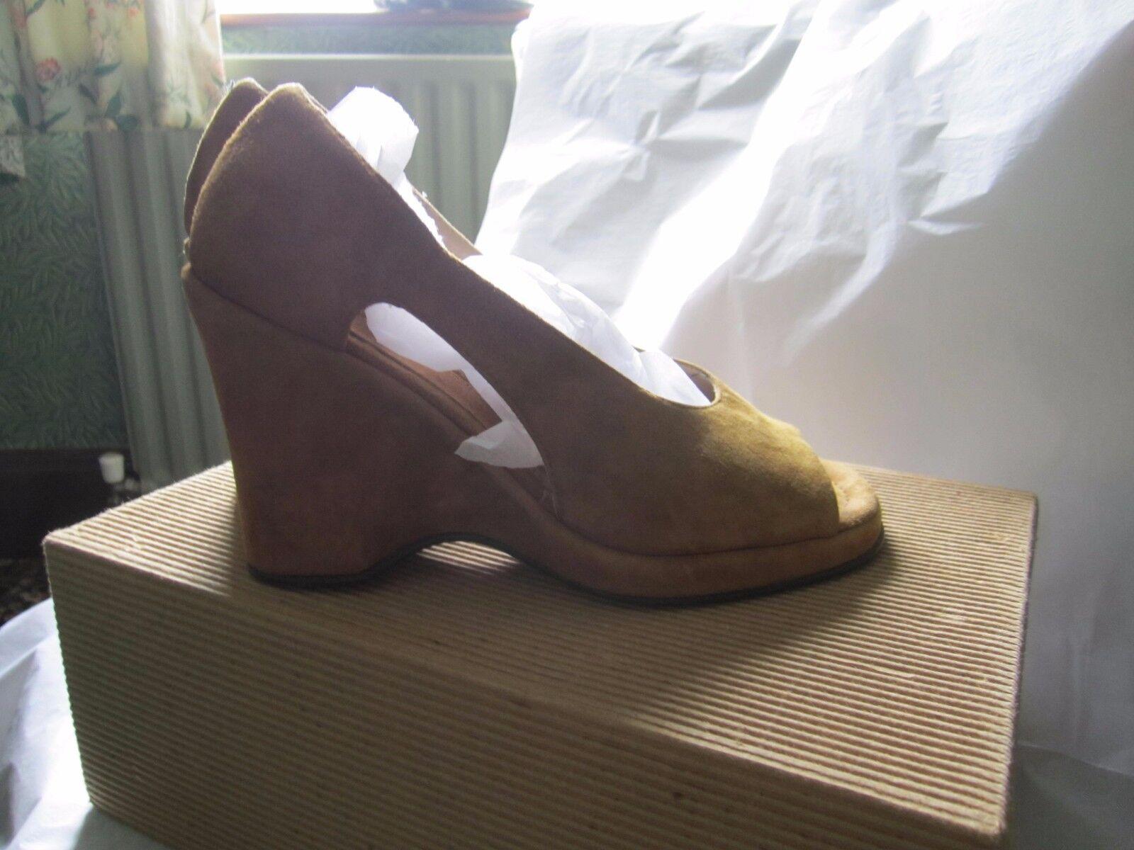 Armando de'alessandro . Size 35 NEW SHOES BOXED  36