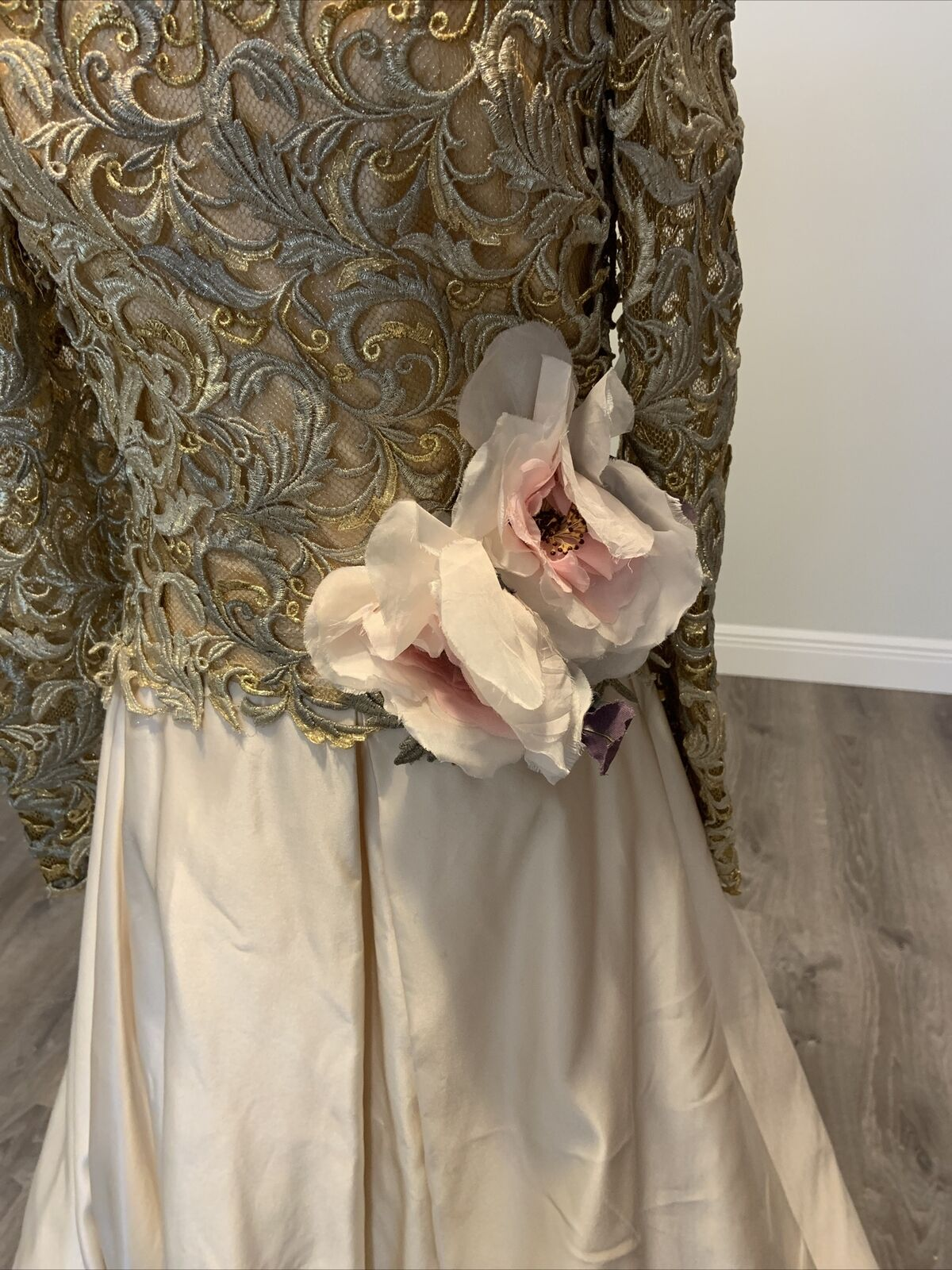 Arnold Scaasi Vtg Couture Gold Lace Gown with Ivo… - image 2