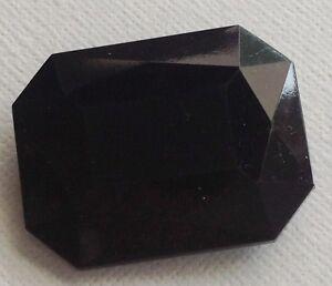 broche-bijou-vintage-rectangle-resine-couleur-noir-facette-effet-pierre-559