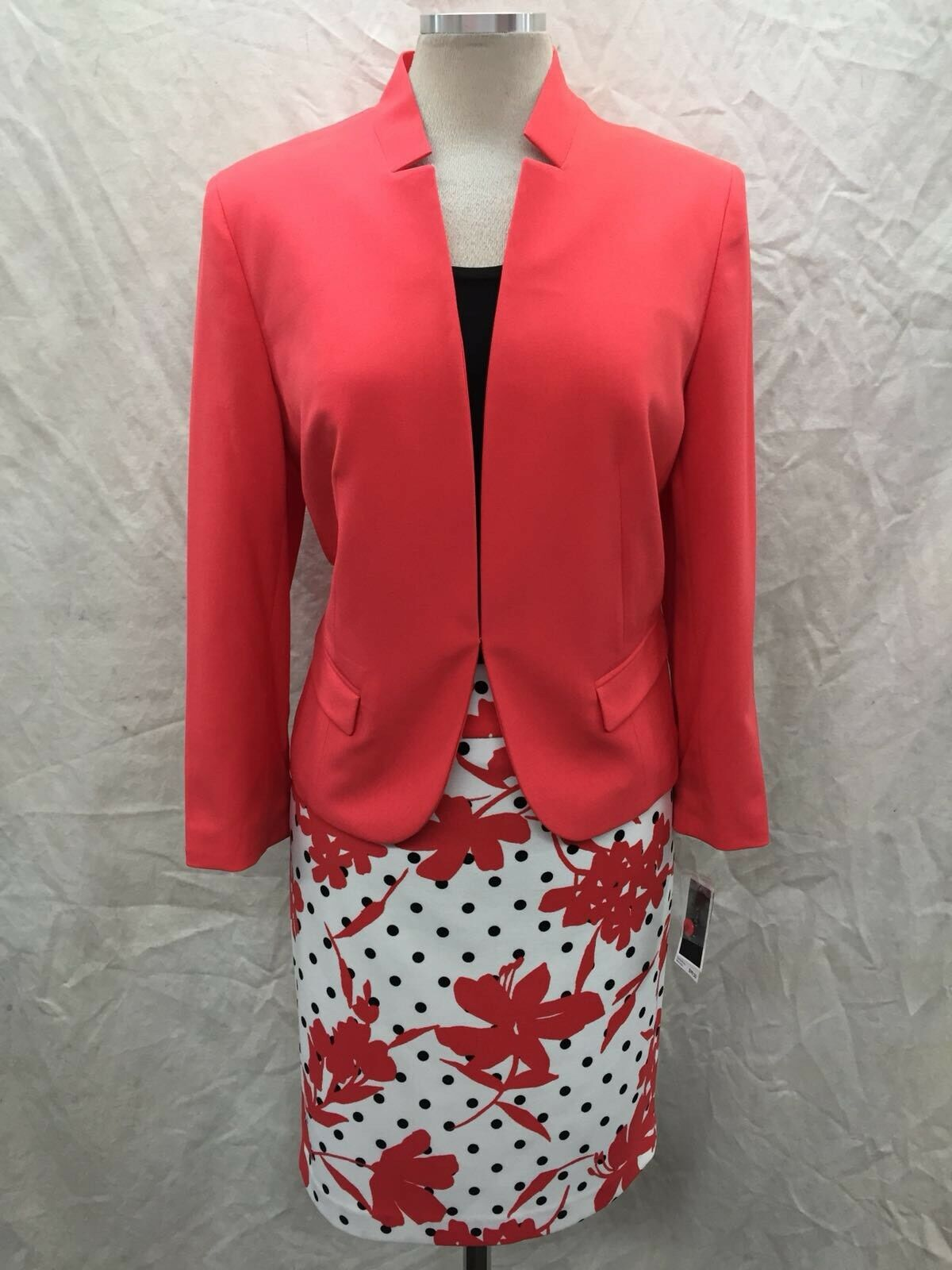 NINE WEST SKIRT SUIT NEW WITH TAG SIZE 14 RETAIL 240 LINED TANK NOT INCLUDED