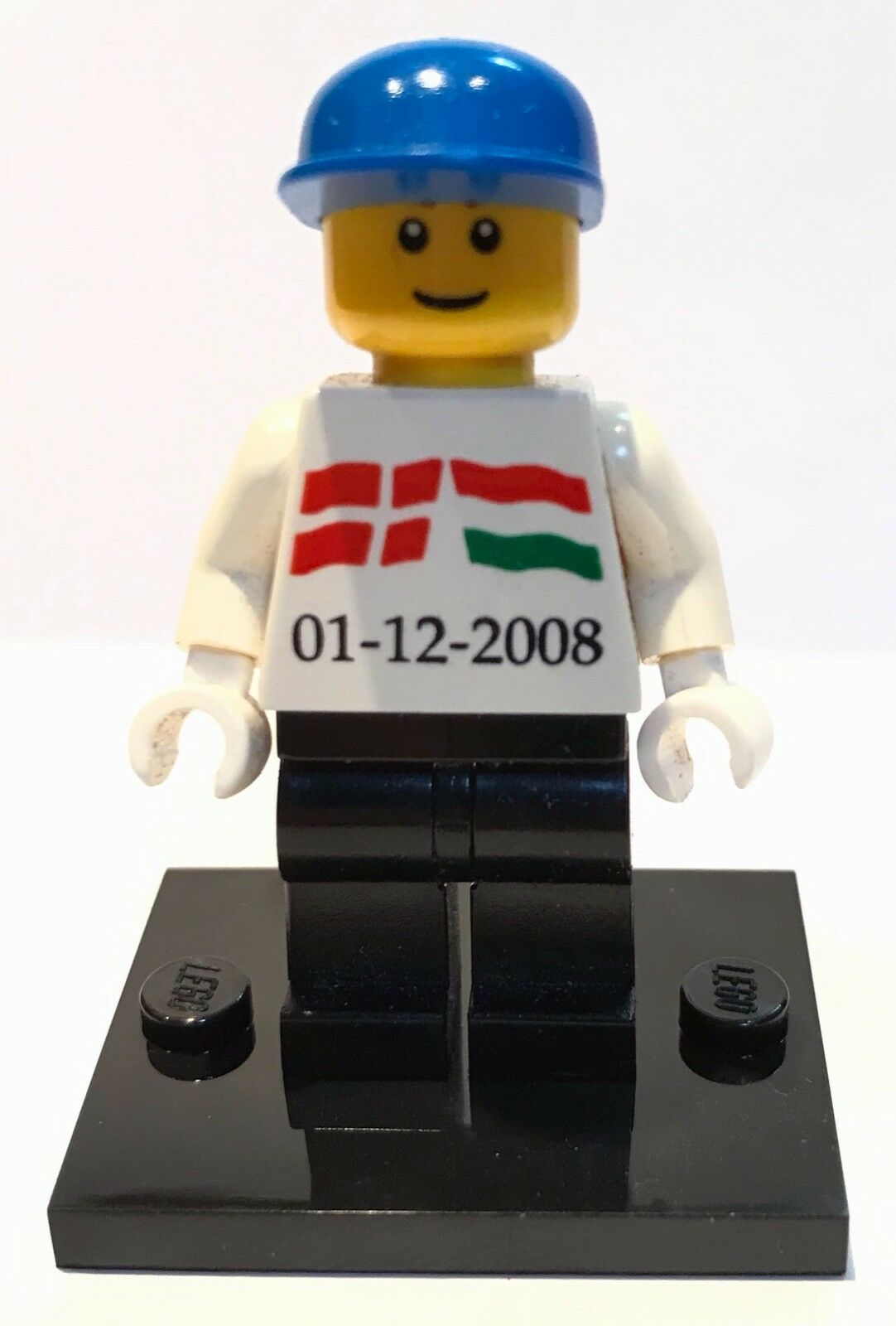 Very rare LEGO minifig with Danish and Hungarian flag pattern