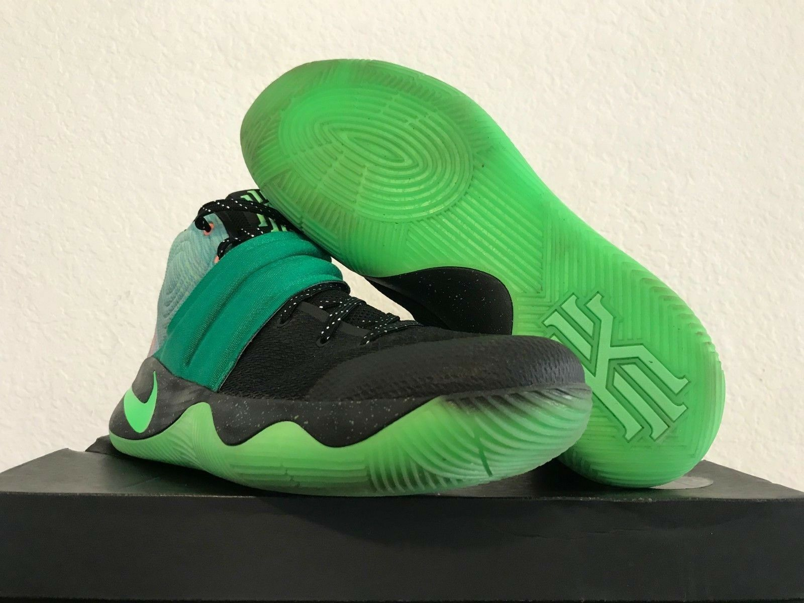 NIKE ID KYRIE 2 MEN'S SNEAKERS SIZE 12.5 843253-993 Basketball shoes EUC