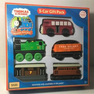 Thomas & Friends Wooden Railway - 5-CAR GIFT PACK - Learning Curve ...