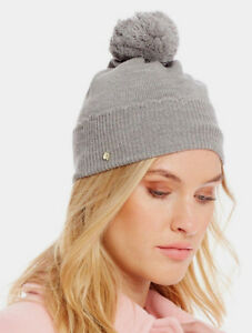 Kate Spade New York Scallop Merino Wool Knitted Pom Pom Beanie Hat ... 7ddddd467d4