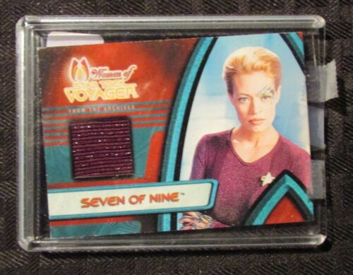 2001 STAR TREK VOYAGER Seven of Nine Costume Material F1 Card NM 9.4
